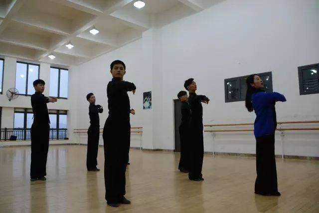 体育舞蹈配合音乐训练法_文章发表